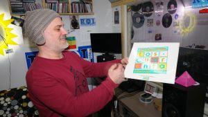 Fabio Putrino är stolt över att hans radiostation inte sänder musik i MP3-format.