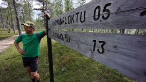 Mikko Peltola retkeilyreitillä