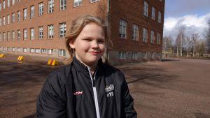 Kasper Åminne utanför Generalshagens skola.