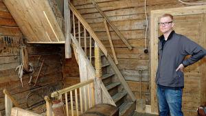 I Jari Vesanens hus finns både en rymlig källare och vind.