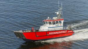 Oljebekämpningsbåten Maria döptes 11.11.2015