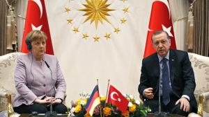 Tysklands förbundskansler Angela Merkel och Turkiets president Recep Tayyip Erdogen under en gemensam presskonferens i Ankara 2.2.2017