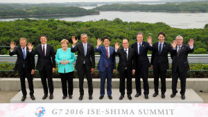 G7-ländernas ledare i gruppbild under G7-mötet i Japan 26.5.2016