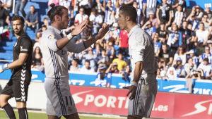Gareth Bale och Cristiano Ronaldo firar mål