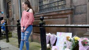 Blomhav i Manchester den 23 maj 2017 efter terrorattentatet vid Manchester Arena.