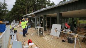 bild på den nya cafébyggnaden på Vepsarn i Åbo.