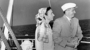 Elena och Nicolae Ceausescu på seglats