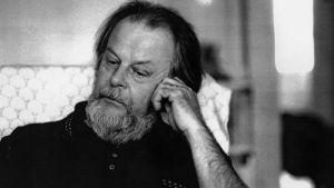 Kirjailija Pertti Nieminen