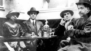 Amedeo Modigliani och Adolphe Basler på Café du Dôme, Paris, fransk fotograf. Privatsamling.