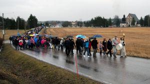 Flera människor deltog i processionen år 2015.