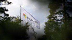Microsofts flagga vajar
