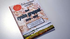 """Viking Åbergs bok """"Det ryska greppet""""."""
