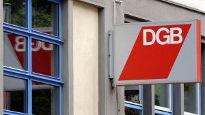 Den tyska fackcentralen DGB hjälper arbetstagare när arbetsgivaren ställer till med problem.