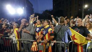 Självständighetsförespråkarna firar valsegern i Katalonien den 27 september 2015.
