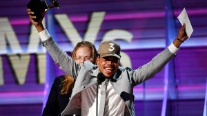 Chance the Rapper vid Grammygalan i Los Angeles den 12 februari 2017.