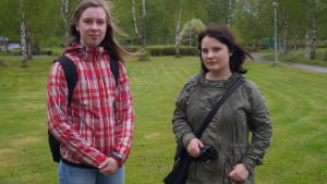 Tina Toiviainen och Olivia Sjölund.
