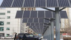 Kina har också länge varit den ledande tillverkaren av solpaneler.