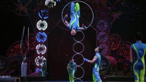 Akrobater under en föreställning i New York 2016