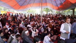 Afghanska demonstranter i närheten av presidentens palats i Kabul på lördagen. 3.6.2017.