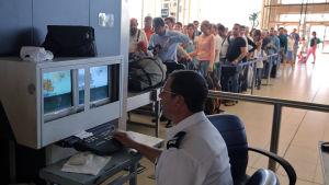 Kaos på Sharm el-Sheikhs flygplats