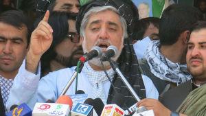 abdullah abdullah talar till väljare inför presidentvalet i Afghanisatn
