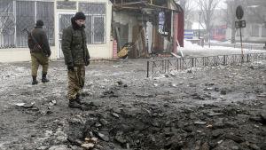 Förödelse efter stridigheter i östra Ukraina i Donetsk-området.