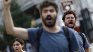 Turkiska demonstranter drog ut på gatorna för tre månader sedan då Israel och Turkiet återupptog sina diplomatiska relationer efter en över fem rå lång paus