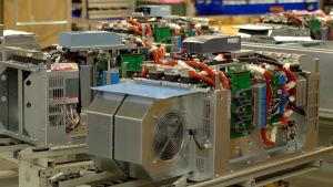 Frekvensomvandlare tillverkade på Vacons fabrik i Vasa.