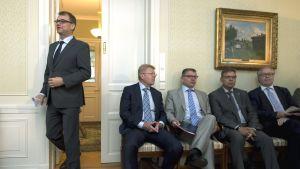 Juha Sipilä (C), Jyri Häkämies, Markku Jalonen, Lauri Lyly och Sture Fjäder
