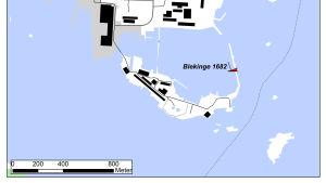 En modern karta som pekar ut var vraket Blekinge hittats i Karlskrona örlogshamn i Sverige.