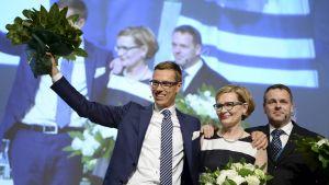 Stubb efter att ha vunnit ordförandevalet vid Samlingspartiets partikongress i Lahtis 2014.