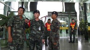 Militärsjukhuset i centrum av Bangkok spärrades av efter bombexplosionen. Det har utförts flera smärre bombattacker i Bangkok under den senaste tiden