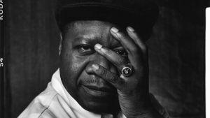 Världsmusikartisten Papa Wemba (1949-2016)