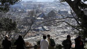 Femårsdagen av jordskalvet och tsunamin år 2011 infaller den 11 mars i år. Naturkatastrofen krävde omkring 15 000 dödsoffer och orsakade den värsta kärnkraftsolyckan sedan Tjernobyl år 1986