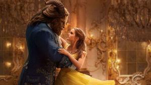 Dan Stevens och Emma Watson i Skönheten och odjuret.