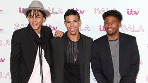 Pojkbandet 5 After Midnight, finalister i brittiska sångtävlingen X Factor.