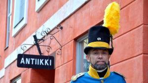 Thorbjörn Sirén i svensk karolineruniform