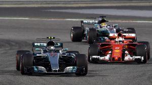 Valtteri Bottas före Sebastian Vettel