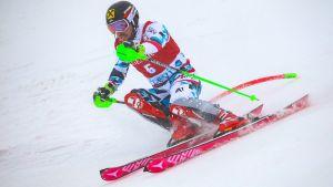 Marcel Hirscher snabbast i första åket.