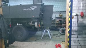PRotolab har utvecklat ett pansarfordon för manskapstransport i ett garage i Pojo.