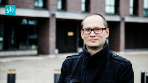 Yles redaktör AG Karlsson.