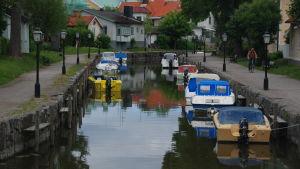 Veneitä Trosan kaupungissa