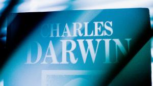 En bok av Charles Darwin.