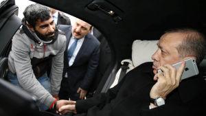 Självmordskandidat på Bosporenbron får tala med president Erdogan 25.12.2015
