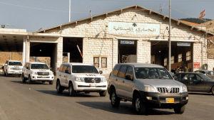 En konvoj med vapenexperter från OPCW på väg in i Syrien för att utreda misstankar om attacker med kemiska vapen
