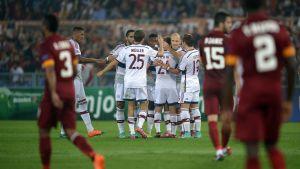 Bayern krosssade Roma.
