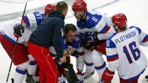 Alexander Ovetjkin skadade sig mot Tyskland.
