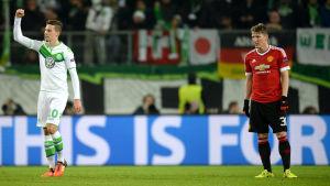 Julian Draxler och Wolfsburg slog ut Bastian Schweinsteigers Manchester United.