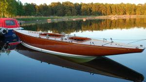 Bild på segelbåten Sara af Hangö.