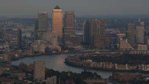 Utsikt mot Canary Wharf från Leadenhall Building i hjärtat av London City.